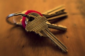 Image Credit: http://1000awesomethings.com/2011/12/05/99-getting-the-keys-to-your-first-apartment/